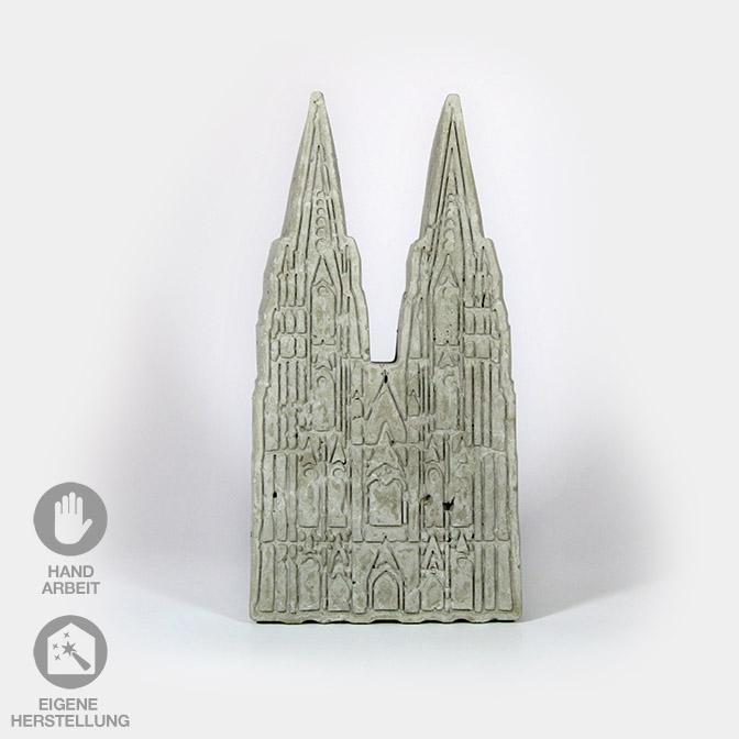 Der Kölner Dom aus Beton. In Handarbeit gefertigt