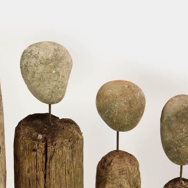 """Steinköpfe der Skulpturen """"Familie Bodolz"""""""