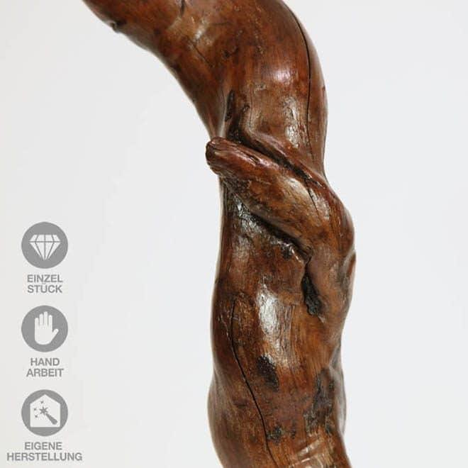 """Ausschnitt Holz-Skulptur """"Elefanten-Gruß"""""""