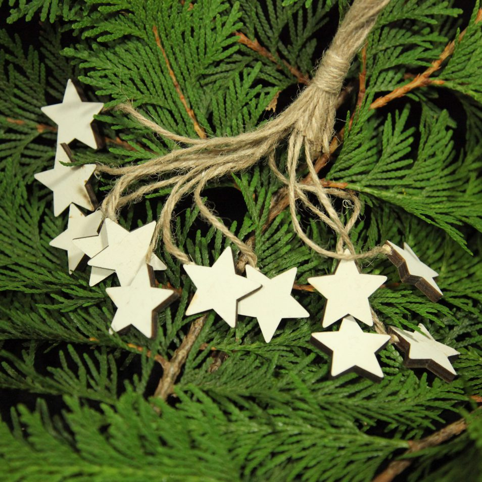 Weihnachtbaum-Anhänger weiße Sterne-Set aus Holz