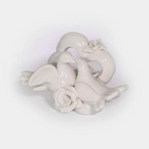 weißes Keramik-Herz mit Taubenpaar