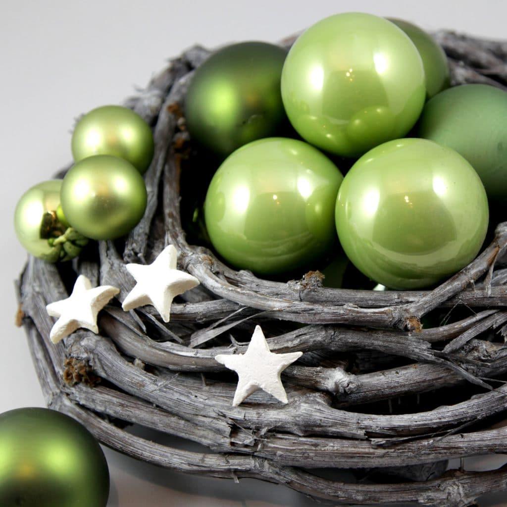 Deko-Set Weihnachtsgesteck, grüne Kugeln, Sterne