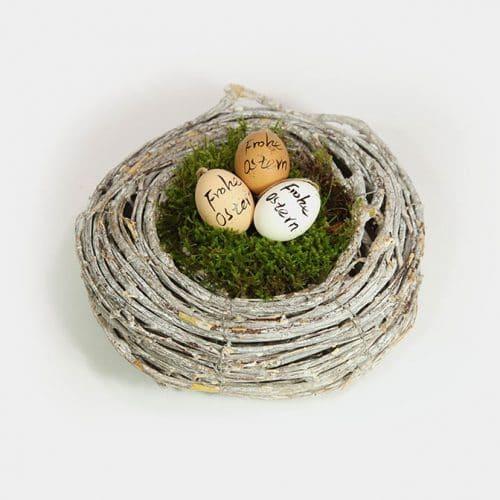 """Reben-Kranz als Nest mit Moos und drei Ostereiern mit """"Frohe Ostern"""""""