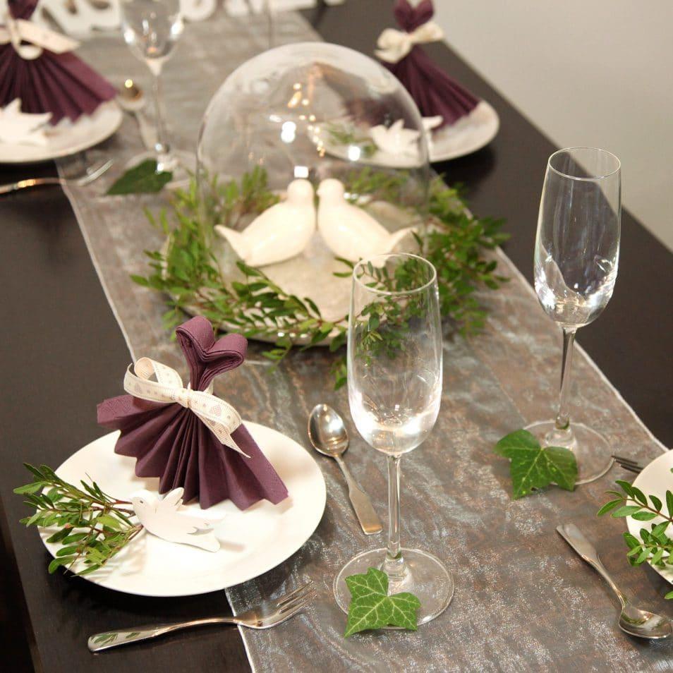Deko-Set Hochzeitstafel MRS.&MR. Glasglocke mit Tauben