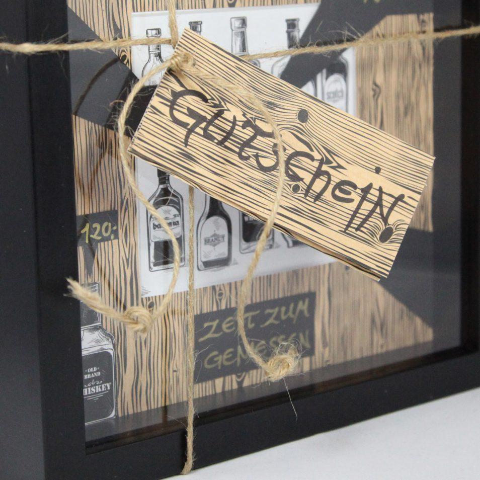 Schwarzer Gutschein-Rahmen als Sonderanfertigung zum Geburtstag für eine Whisky-Probe
